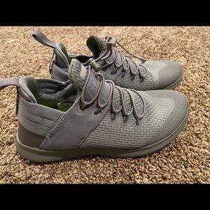 Women's Nike running shoe grey size 6